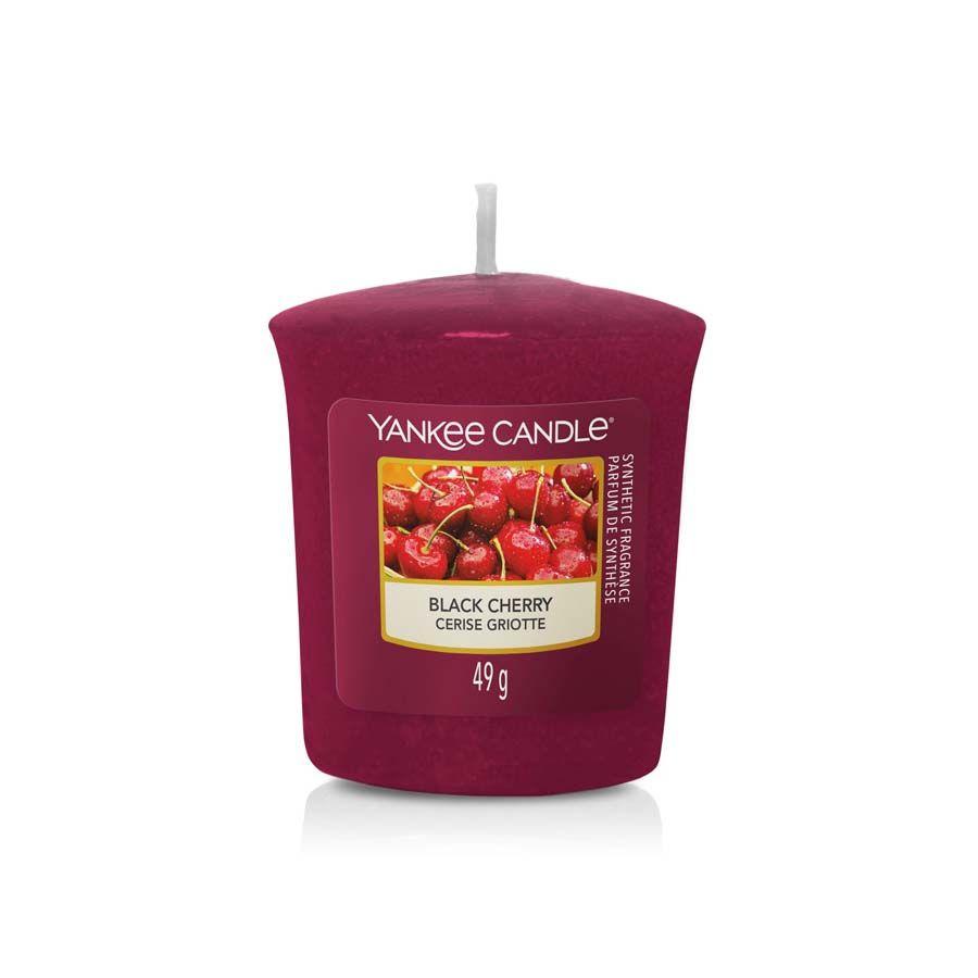 Yankee Candle Black Cherry vonná svíčka votivní